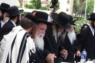 הרב מיכאל גול ליד הרב מאיר שלמה