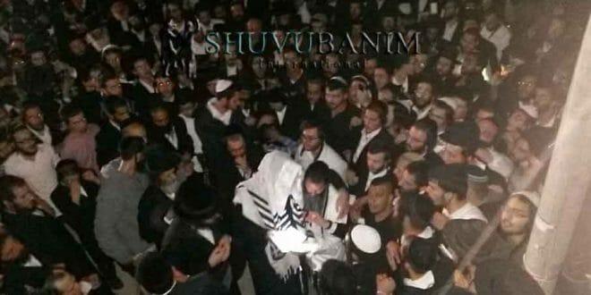 """הגה""""צ הרב אליעזר ברלנד שליט""""א מוקף בהמונים בציונו של יהשוע בן נון"""