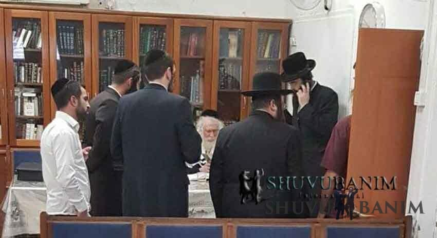 """הרב ברלנד שליט""""א לומד בבית המדרש של ר' דוד אבוחצירא"""