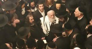 """כ""""ק הגה""""צ הרב אליעזר ברלנד שליט""""א בתפילות ותחנונים על עם ישראל בציון הקדוש של ר' עקיבא בטבריה - ז' אדר תשע""""ט"""
