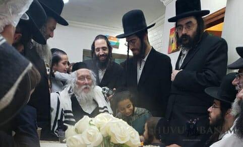 """הגה""""צ הרב אליעזר ברלנד שליט""""א בקבלת קהל בירושלים"""